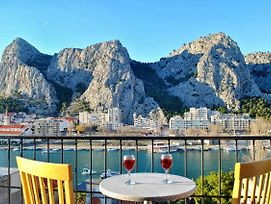 Apartments By The Sea Omis - 2822 photos Exterior
