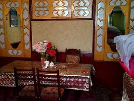 Guest House Xinaliq photos Exterior