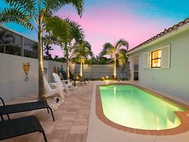 Charming Heated Pool Home - 3 Miles To The Beach, Pet And Family Friendly -Available Year Round! photos Exterior