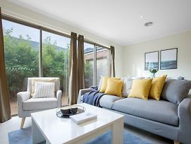 Spacious Lovely 5Beds Home@Point Cook photos Exterior