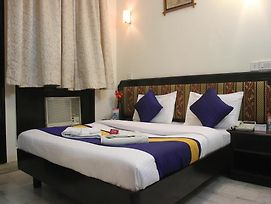 Oyo Rooms Vasant Vihar photos Exterior