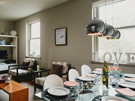 Tranquil Apartment In The Heart Of Stockbridge photos Exterior