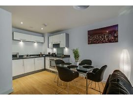 Lovely And Comfy Flat In Quays Mediacityuk photos Exterior