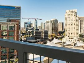 Amazing Views @ High Rise Lux & Center Of All 1Br photos Exterior