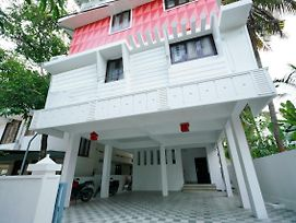 Well-Furnished 1Br Homestay In Kochi photos Exterior