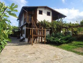 Lozyata Guest House photos Exterior