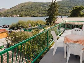 Family Friendly Seaside Apartments Grebastica Sibenik 15170 photos Exterior