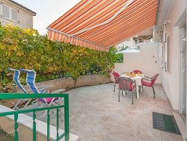 Apartments With A Parking Space Omis - 14422 photos Exterior