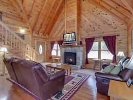 Bear View, 3 Bedrooms, Hot Tub, Fireplace, Grill, Pool Access, Sleeps 6 photos Exterior