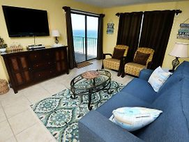 Regency 1003 Beach Chairs 3 Bedrooms Beachfront Pool Wi Fi Sleeps 8 photos Exterior