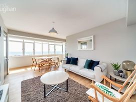 2 Bedroom Flat With Stunning Sea Views And Balcony photos Exterior