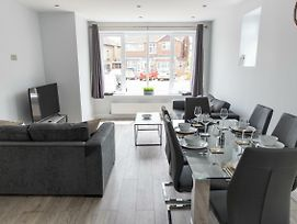 London Northwick Park Serviced Apartments By Riis Property photos Exterior