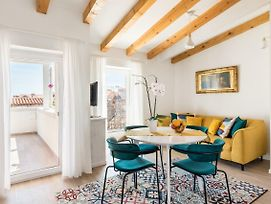 Luxury Terrace Apartment Among The Old Rooftops Next To Diocletian'S Palace photos Exterior