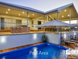 27 Kestrel Place - With Pool And Jetty photos Exterior