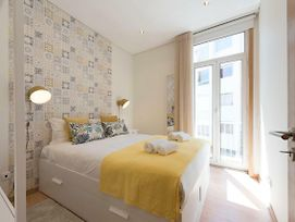 Lovelystay - Colorful Flat In Iconic Street W/ Balcony photos Exterior