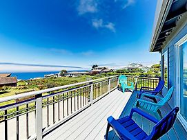 New Listing! Remodeled Beach Haven W/ Hot Tub Home photos Exterior