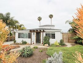 Newly-Remodeled Mid-Century Home In Encinitas Home photos Exterior