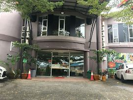 Place2Stay @ Kenyalang photos Exterior