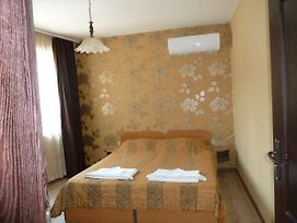 Tarnovski Dom Guest Rooms photos Exterior
