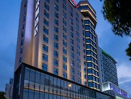 Hampton By Hilton Yixing Renmin Middle Road Branch photos Exterior