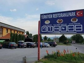 Turkiyem Restaurant & Park & Hostel Pirot photos Exterior