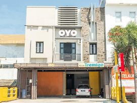 Oyo 936 Tremigo Guest House Syariah photos Exterior