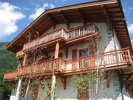 Exclusive Apartment In Chamonix France With Mont Blanc Views photos Exterior