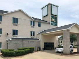 Quality Inn & Suites Roanoke - Fort Worth North photos Exterior