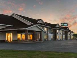 Boarders Inn & Suites By Cobblestone Hotels photos Exterior