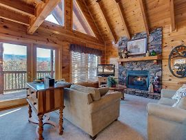 Chalet Of Dreams, 2 Bedrooms, Pool Table, Wifi, Hot Tub, Mtn View, Sleeps 6 photos Exterior