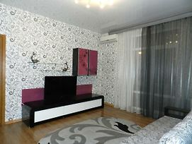 2-Room Luxury Apartment On Lermontova 14 Street By Grandhome. Center. photos Exterior