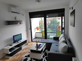 Sunny Apartment In The Quiet Heart Of Nis photos Exterior