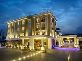 The Four Vedas Hotel & Resort photos Exterior