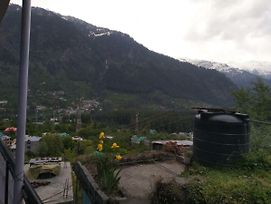Om Patal Guest House Old Manali photos Exterior