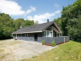 Four Bedroom Holiday Home In Hadsund 8 photos Exterior