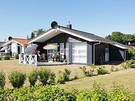 Three-Bedroom Holiday Home In Gromitz 12 photos Exterior