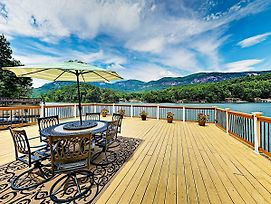New Listing! Lakefront Cabin: Deck, Mountain View Home photos Exterior