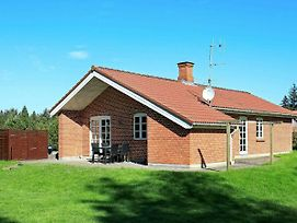 Four Bedroom Holiday Home In Blavand 1 photos Exterior