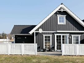Three-Bedroom Holiday Home In Vejby 6 photos Exterior
