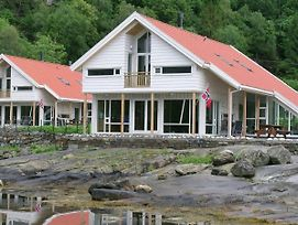 Five Bedroom Holiday Home In Jelsa 2 photos Exterior