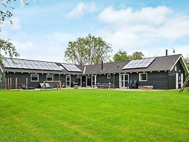 Seven Bedroom Holiday Home In Ebeltoft photos Exterior