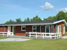 Three-Bedroom Holiday Home In Hovborg 2 photos Room