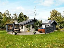 Four-Bedroom Holiday Home In Vaeggerlose 7 photos Exterior