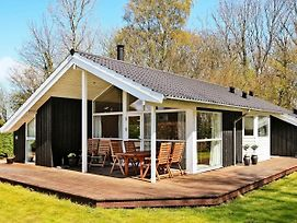 Three-Bedroom Holiday Home In Frorup 1 photos Exterior