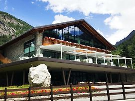 Grand Hotel Courmayeur Mont Blanc photos Exterior