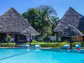Oasis Diani Beach Villas photos Exterior