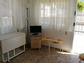 2 Bedroom Apartment Centrally Located By The Sea photos Exterior
