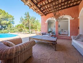 Exclusive Villa In Porroig photos Exterior