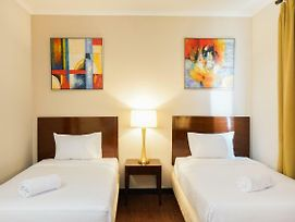 Ancol Marina 1Br Twin Bed Tower A By Travelio photos Exterior