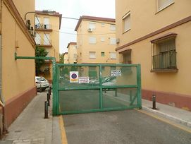 Apartment With 2 Bedrooms In Sevilla, With Wifi photos Exterior